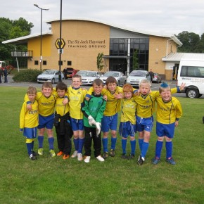 Penkridge Junior U8′s compete in Wolves Kids Football Tournament